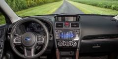Subaru Forester вид с сиденья водителя