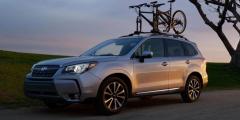 Subaru Forester с велосипедом на крыше