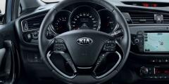Kia Ceed — руль и передняя панель салона