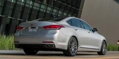 Hyundai Genesis - вид сзади