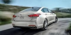 Hyundai Genesis на скорости