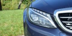 Mercedes-Benz C250d — фара крупным планом