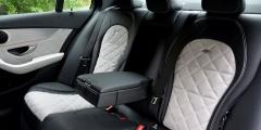 Салон сзади Mercedes-Benz C250d