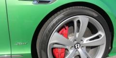 Колесо Bentley Continental GTC крупным планом