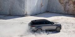 Range Rover Velar едет