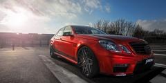 Mercedes E-класс в красном цвете