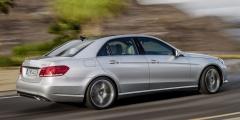 Mercedes E-класс в движении